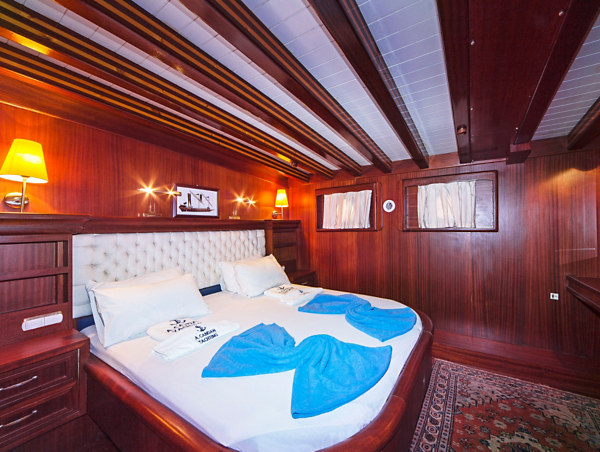 Main Deck–Double Bed