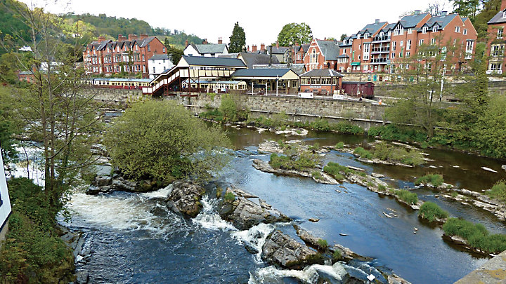 England Tour   England Trip  London  Scotland  amp  Wales   Grand     Grand Circle Travel After an early breakfast  travel to the the Snowdonia region of Wales   stopping en route in the small town of Llangollen in Northern Wales for lunch on your