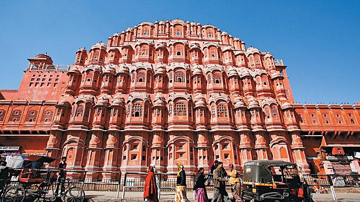 Explore 16th century Amber Fort in India