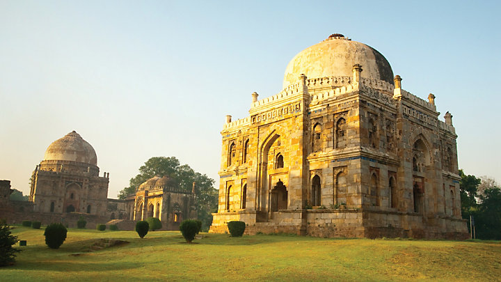 Explore the many sites of Delhi
