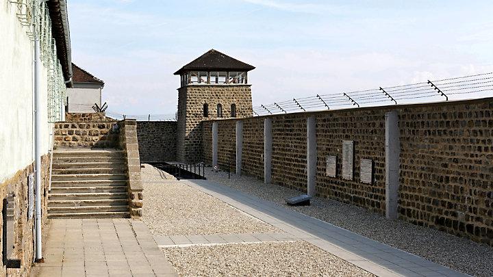 See Hohensalzburg fortress located in Salzburg